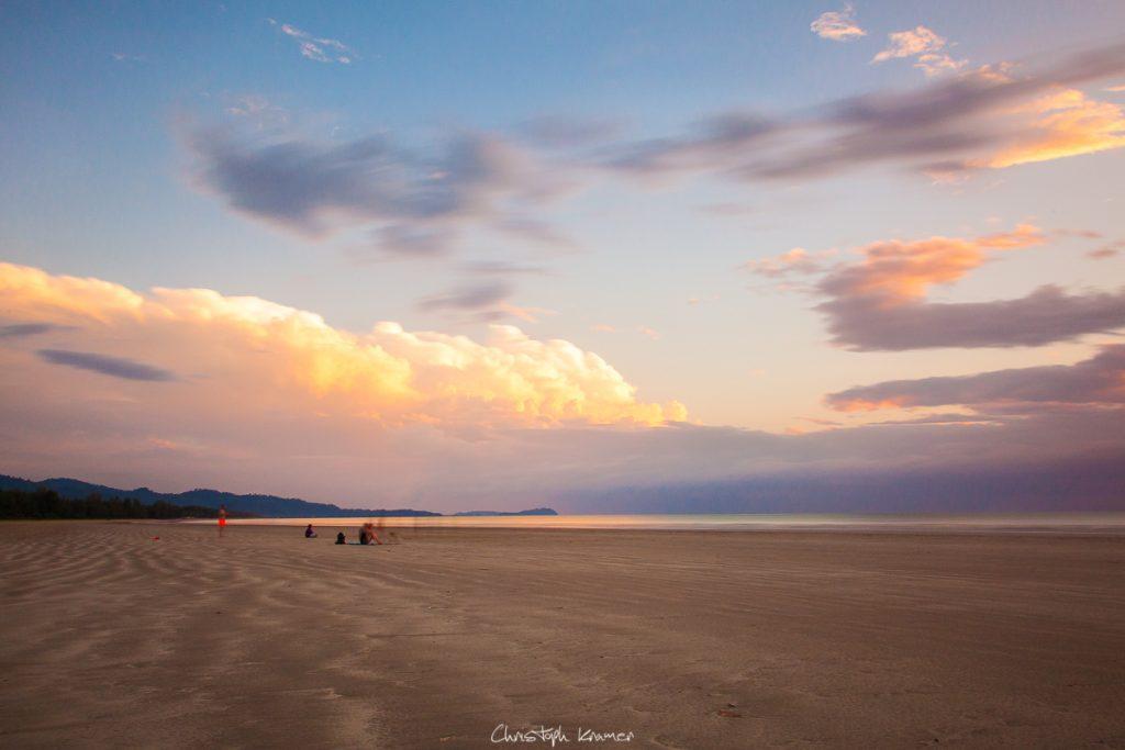 Sonnenuntergang am Strand von Khaolak