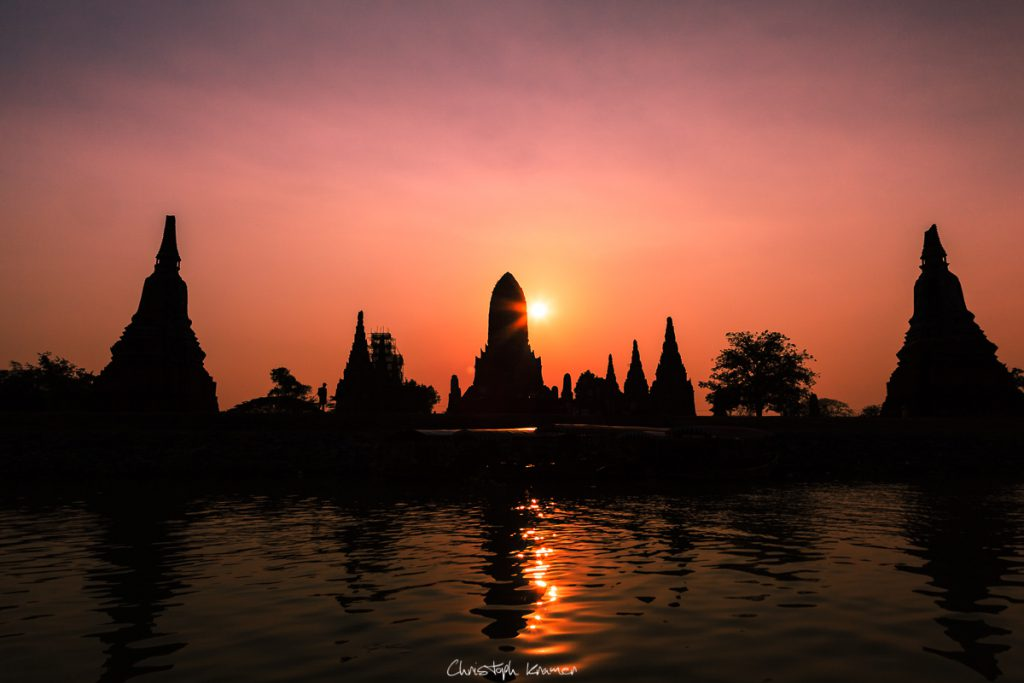 Sonnenuntergang an den Tempel von Ayutthaya