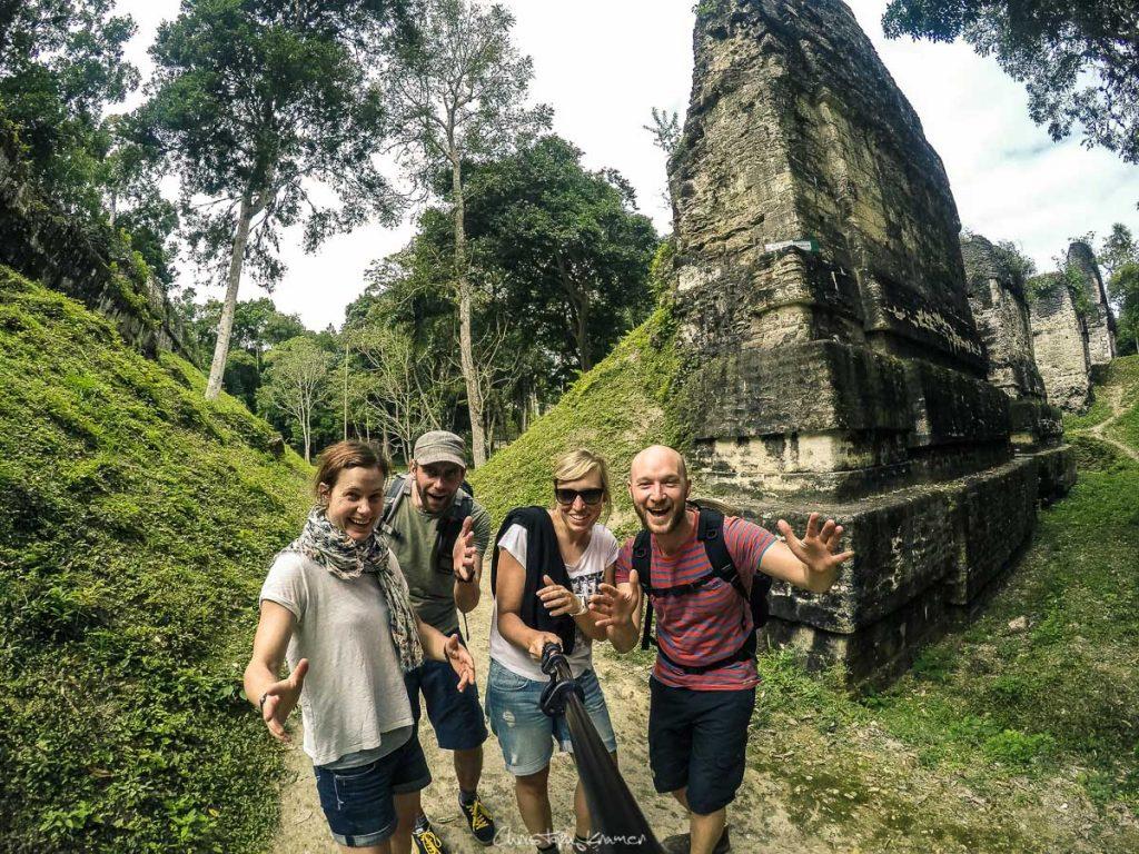 Gruppenfoto auf dem Areal von Tikal
