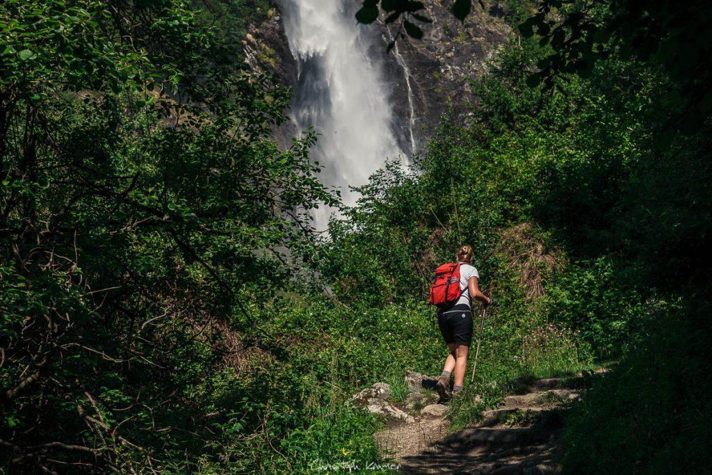 nur noch wenige Schritte bis zum Partschinser Wasserfall