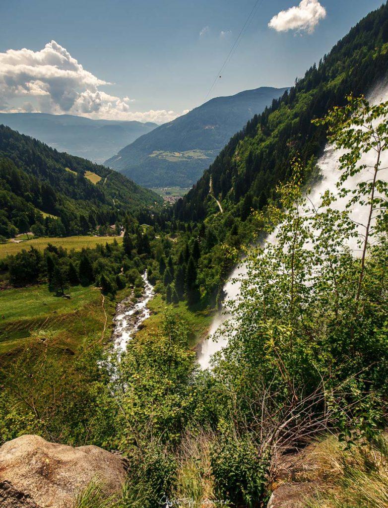 Auf der Aussichtsplattform des Partschinser Wasserfalls