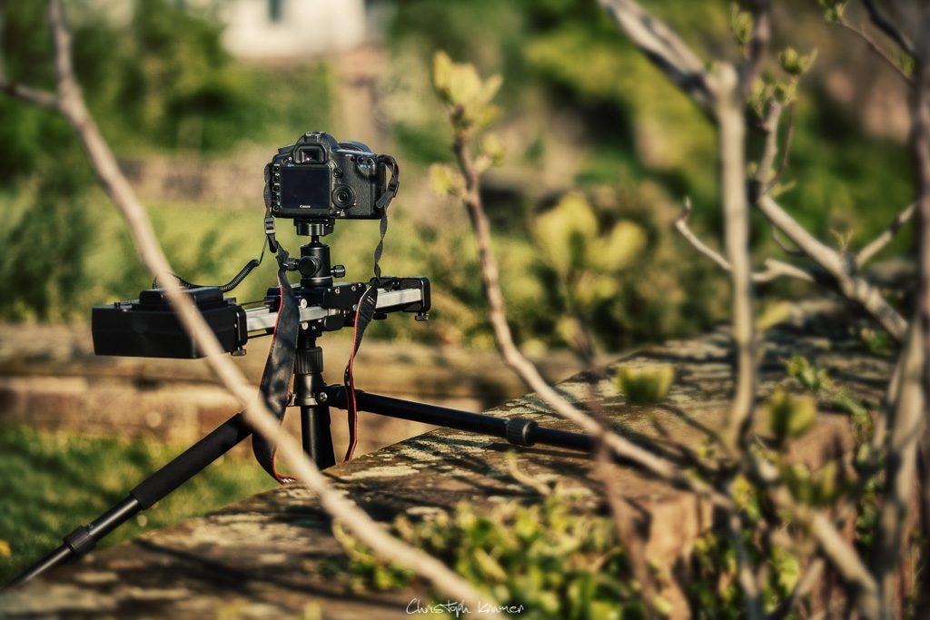 Kamera beim Aufnehmen von Zeitraffer