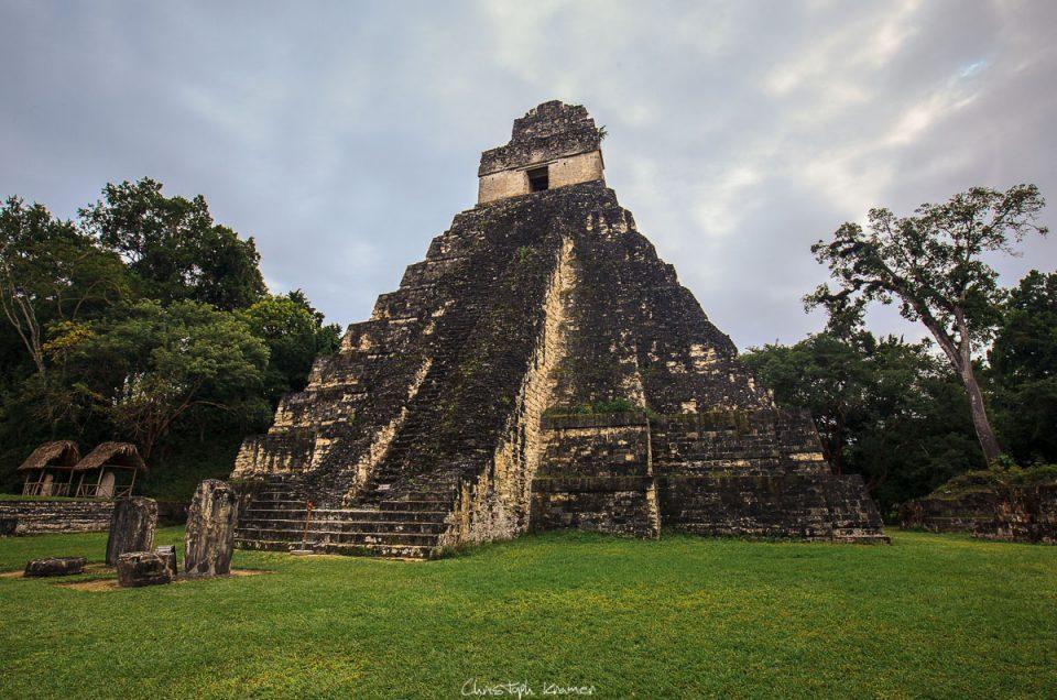Dschungelerwachen in Tikal