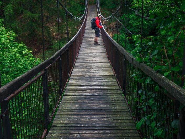 Hängebrücke auf dem Meraner Höhenweg