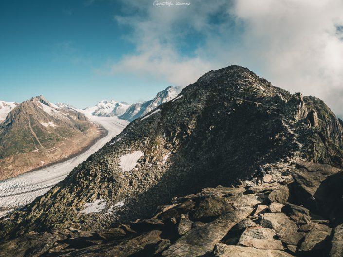 Der Gipfel des Eggishorns, daneben der Aletschgletscher