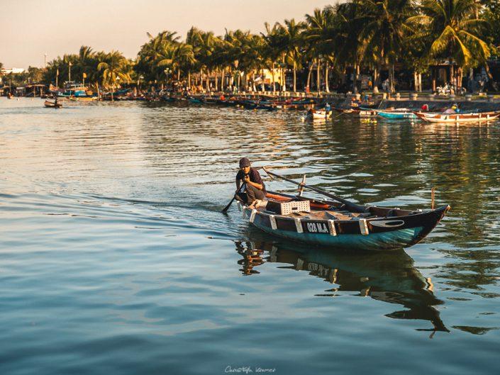 Boot auf dem Thu Bon