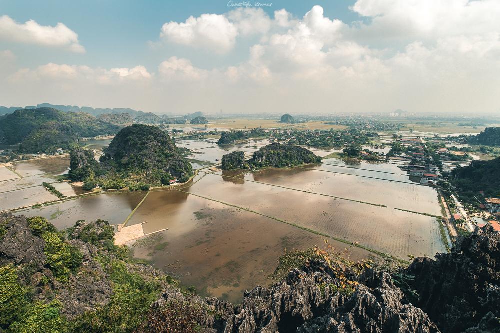 Der grandiose Ausblick in die trockene Halong Bucht