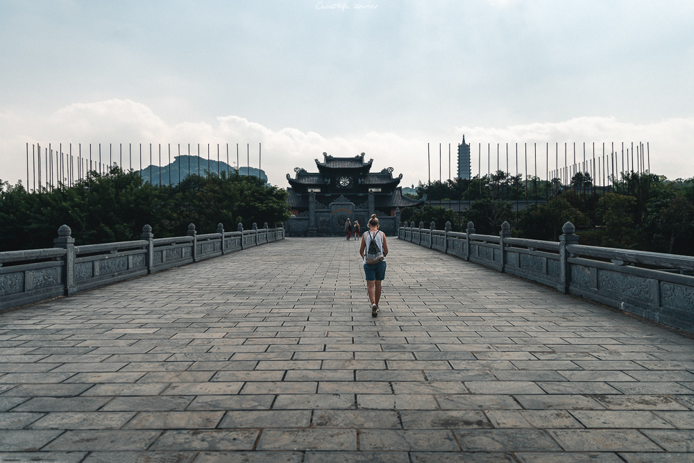 Der Eingang der Bai Dinh Pagode