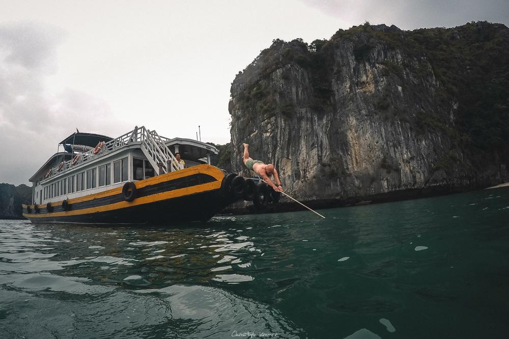 Sprung in die Lan Ha BuchtSprung in die Lan Ha Bucht