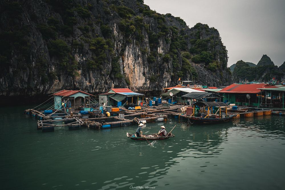 schwimmendes Fischerdorf in der Lan Ha Bucht
