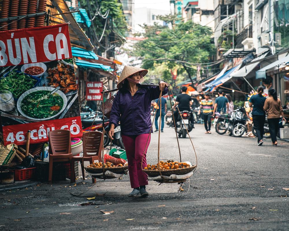 Obstverkäuferin in Hanoi